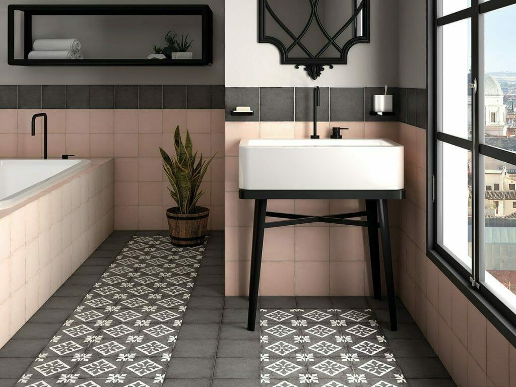 łazienka w kolorze pudrowego różu