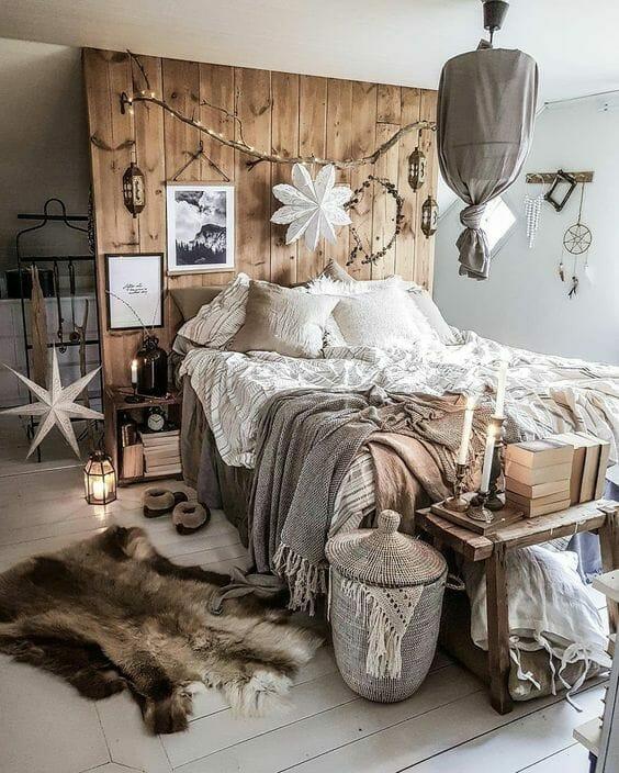 sypialnia w stylu boho lniana pościel dywanik w sypialni