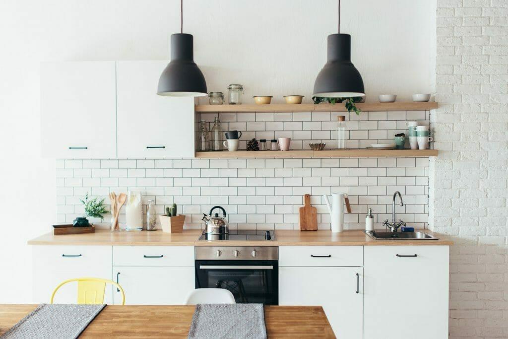 nowoczesna kuchnia w stylu minimalistycznym kuchnia z płytkami