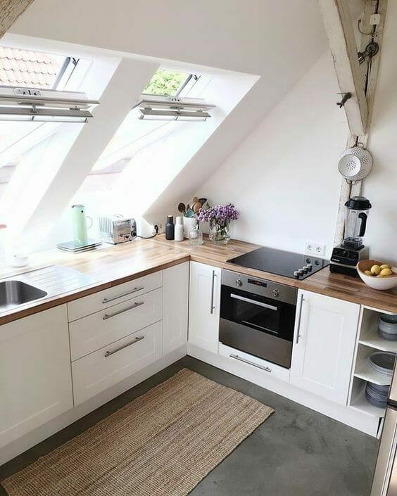 nowoczesna kuchnia białe fronty drewniane blaty