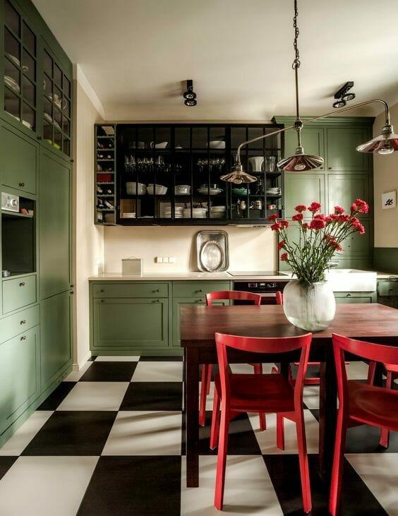 jasnozielona kuchnia zabudowa kuchenna z zielonymi frontami