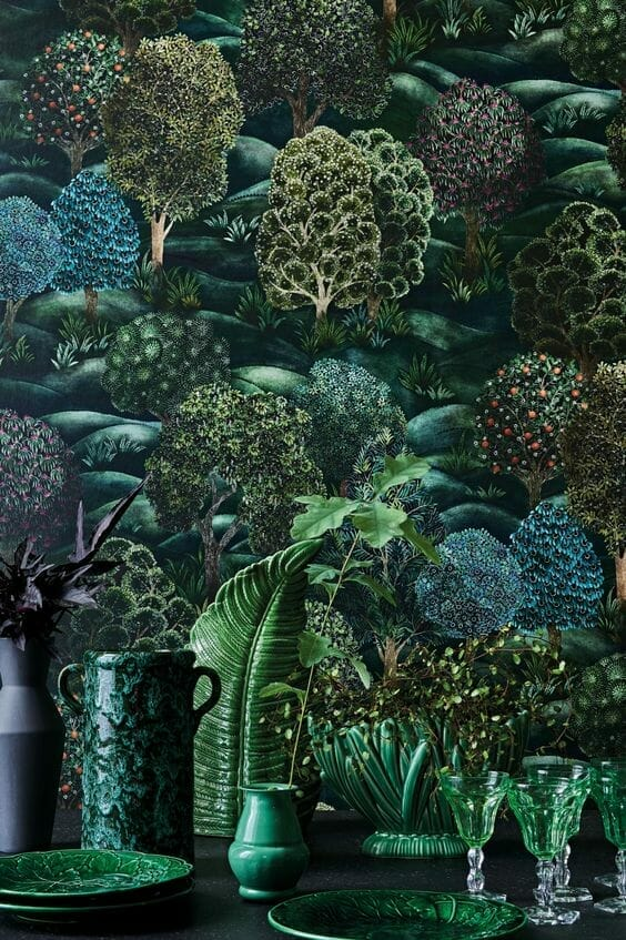 tapeta z grafiką ciemnozielonego lasu