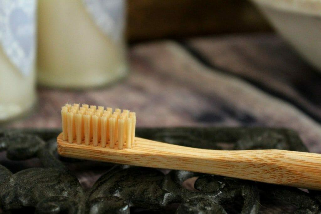bambusowa szczoteczka do zębów ekologiczne rzeczy
