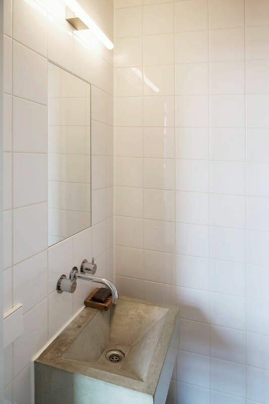 farba do płytek połysk biała łazienka