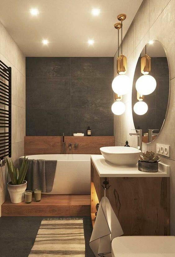łazienka w drewnie z wanną wolnostojącą