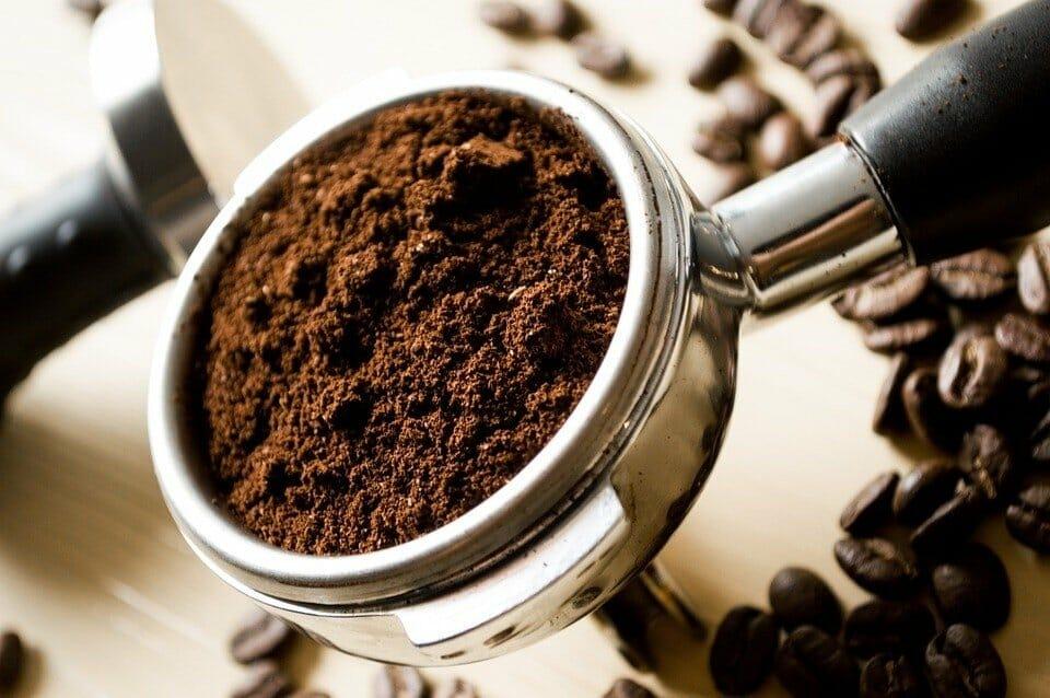 kolba z kawą