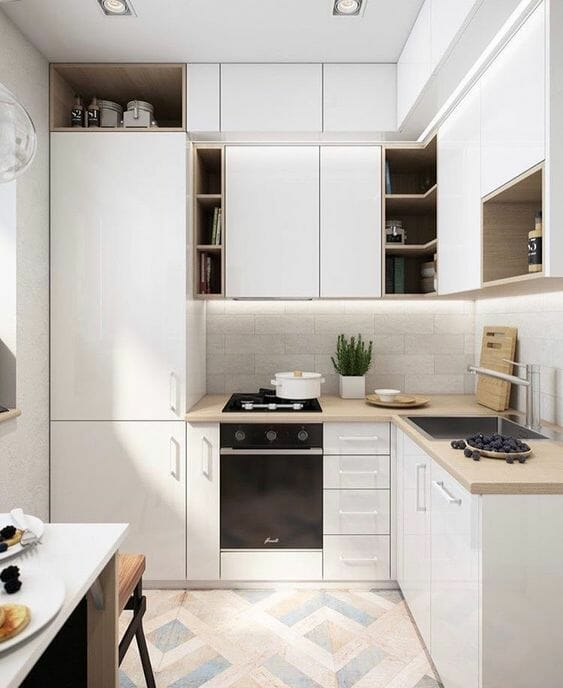 biała kuchnia z płytkami