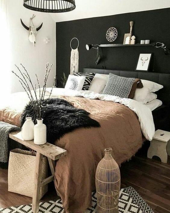 czarna sypialnia boho