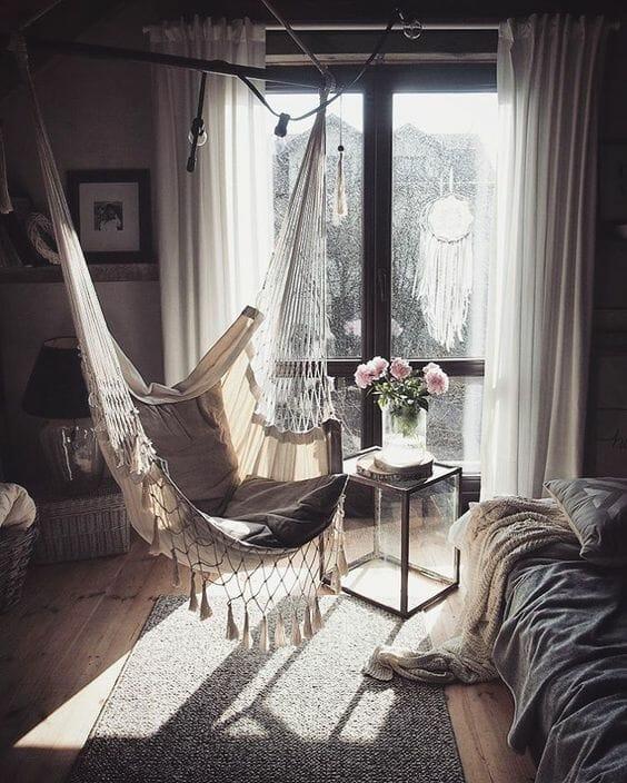 krzesło brazylijskie w sypialni jak zamocować