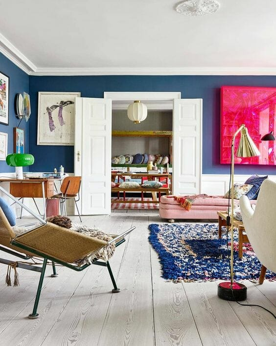 lampy do salonu w kolorze niebieskim dodatki i aranżacje