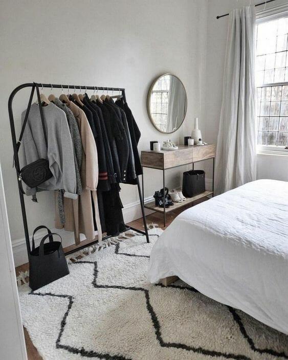 szara garderoba w sypialni