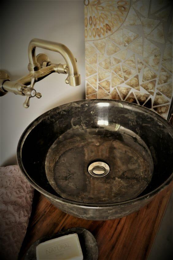 kamienna umywalka nablatowa