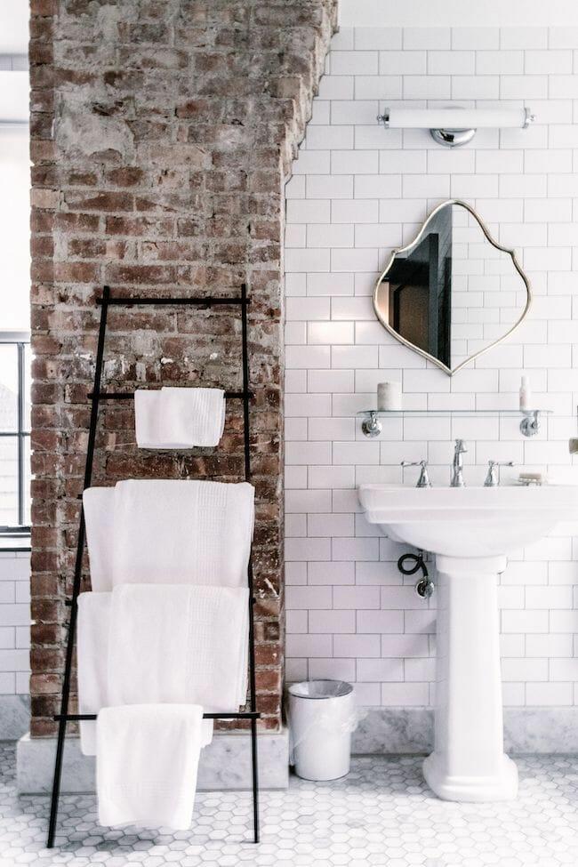 cegła ozdobna w łazience