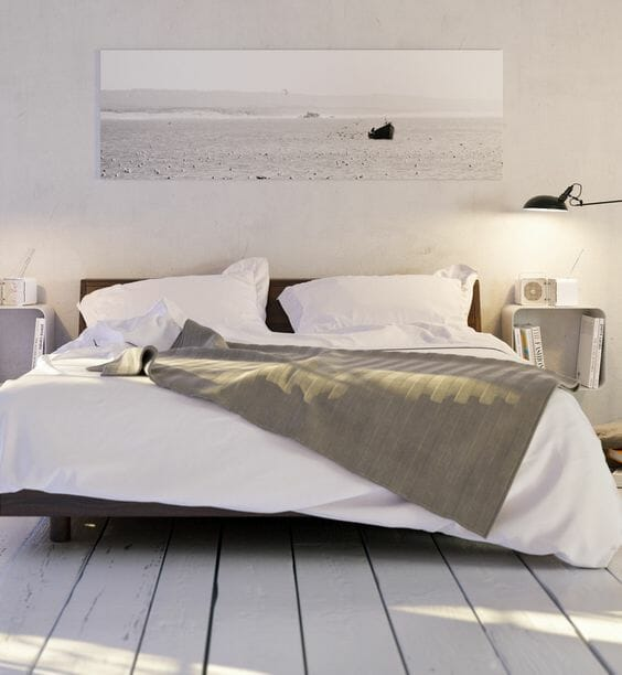 sypialnia w stylu skandynawskim - inspiracje w kolorze bieli