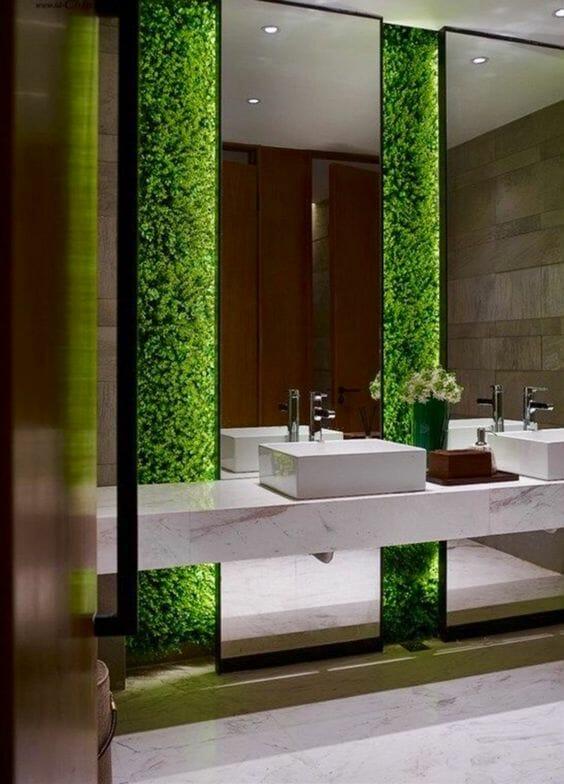 ogrody wertykalne w łazience, mech na ścianie