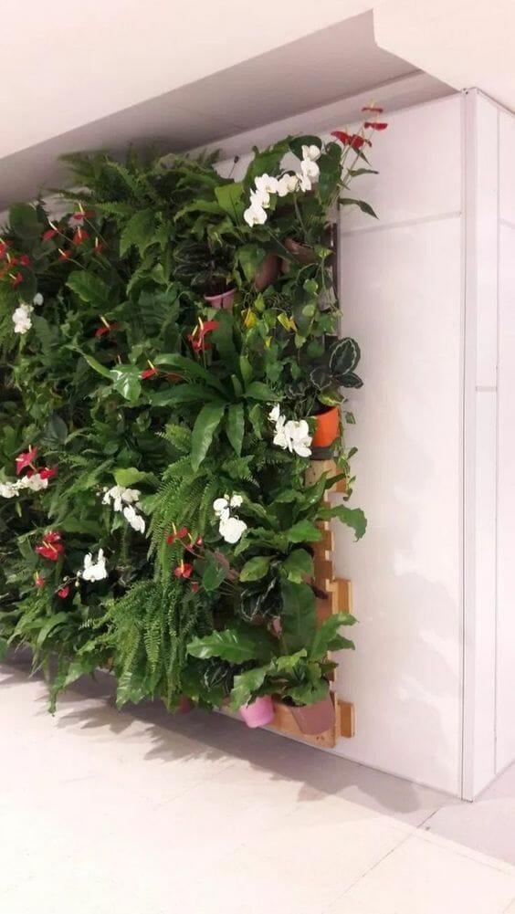 wertykalny ogród na paletach