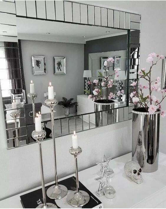 dodatki w stylu romantycznym do srebrnego salonu