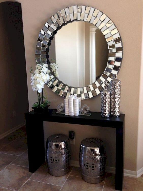 lustro z grubą srebrną ramą