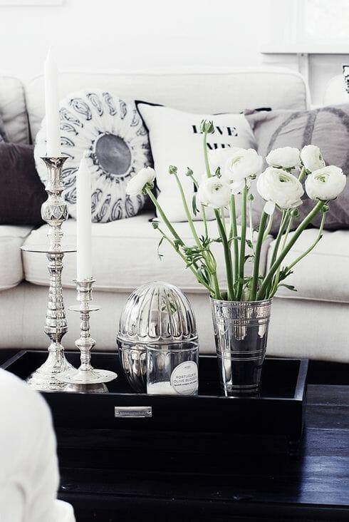 srebrne ozdoby na stół