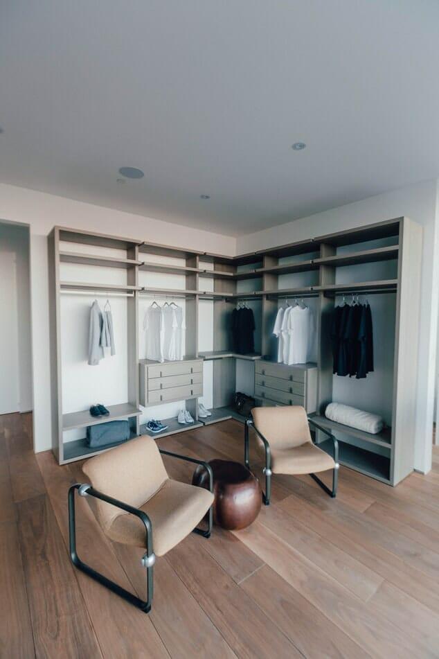 garderoba jak zrobić porządki w szafie