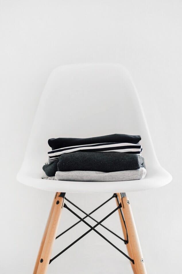 jak składać ubrania