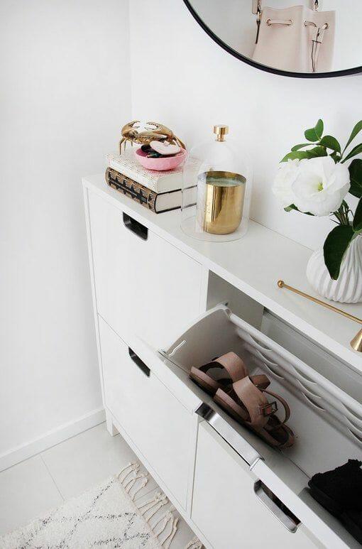 biala szafka na buty