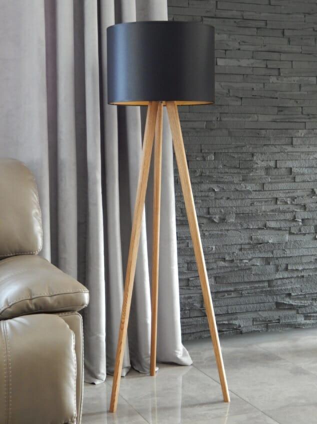 stojąca lampa klosz