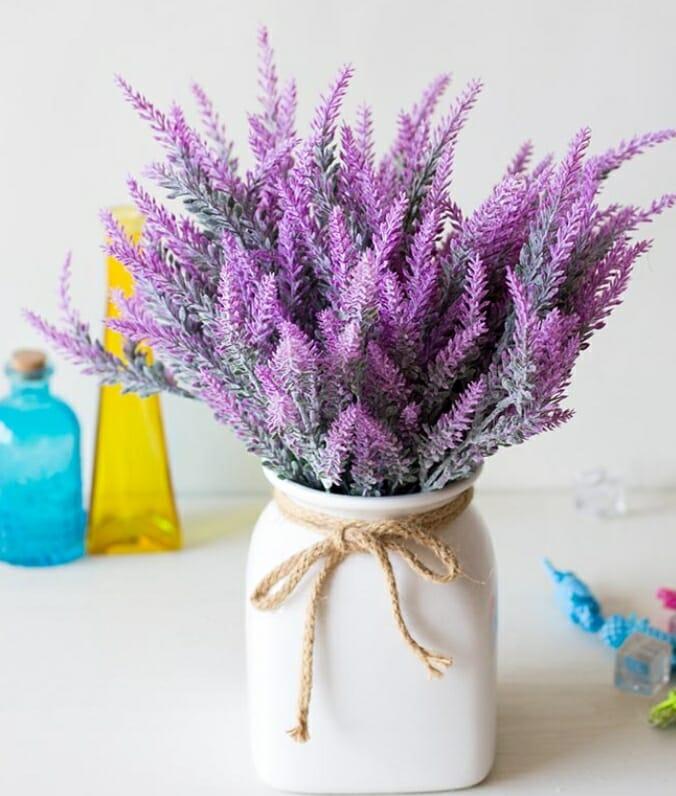 wiosenne dekoracje stołu sztuczne kwiaty