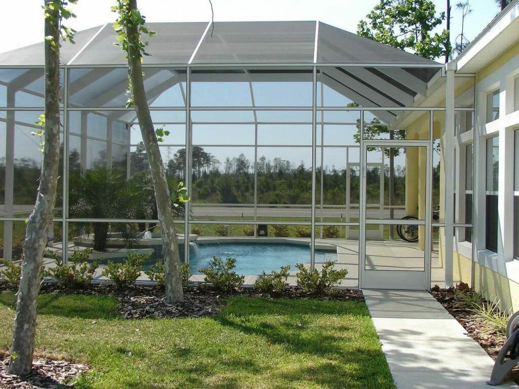 Basen ogrodowy do zabudowy i z zadaszeniem