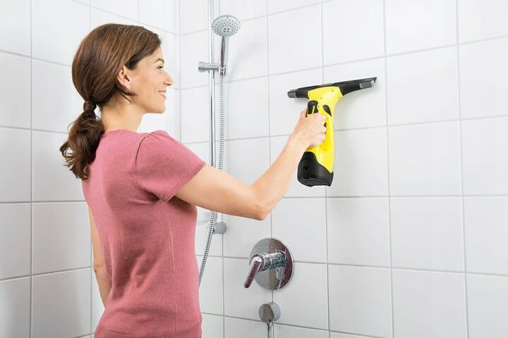 łazienkowa myjka do szyb i kafelków