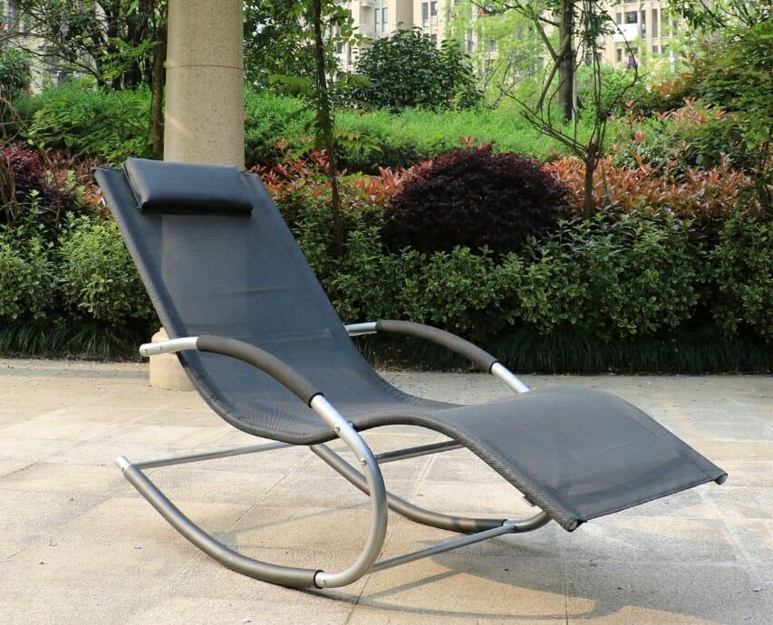 Ogrodowy fotel bujany HAPPYG CAMPO z podnóżkiem