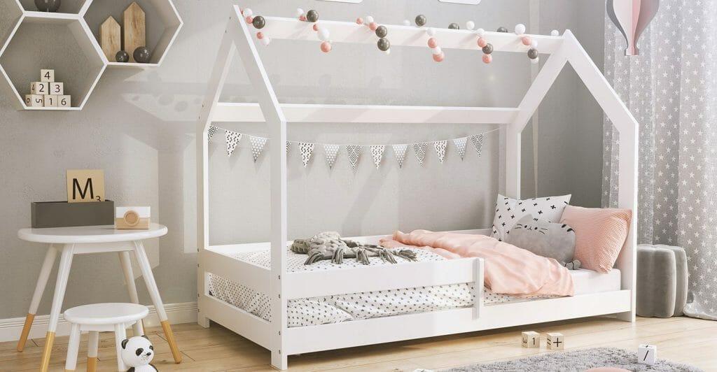 Łóżko dziecięce w kształcie domku