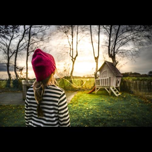 Jaki domek ogrodowy dla dzieci wybrać? Na co zwrócić uwagę przy wyborze?