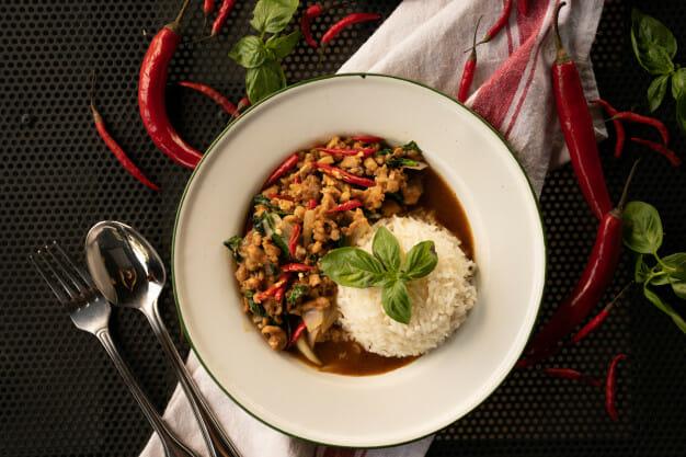 Jak długo gotuje się ryż w ryżowarze?