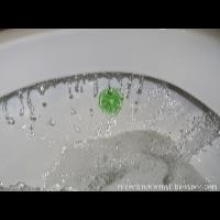 KOSTKA DO WC PRZYKLEJANA